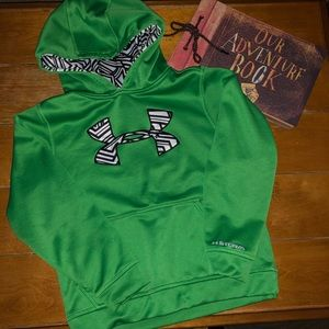 EUC Boy's Under Armour Hoodie size Small